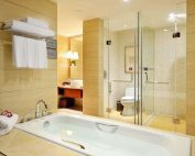安装淋浴房挡水条时,多少尺寸才合适?