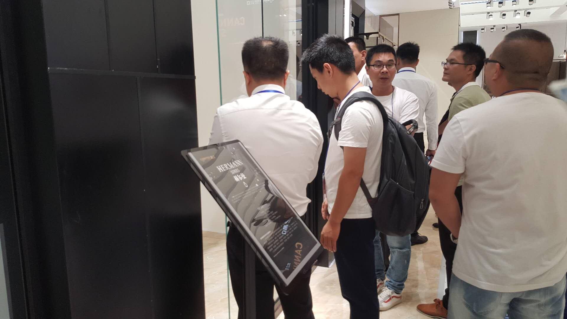 2018上海国际厨卫展热情不减 凯立展馆现场人潮络绎不绝