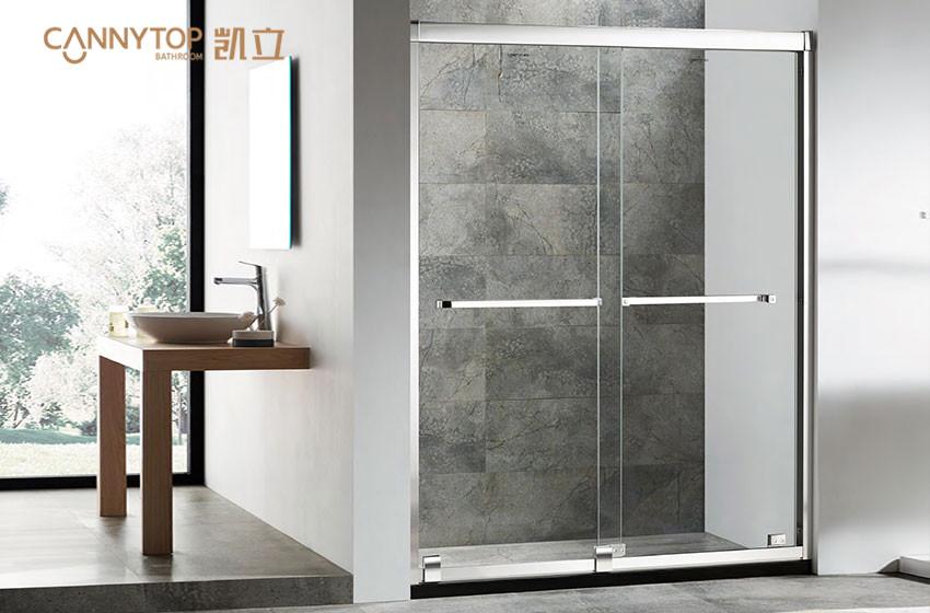 淋浴房的玻璃